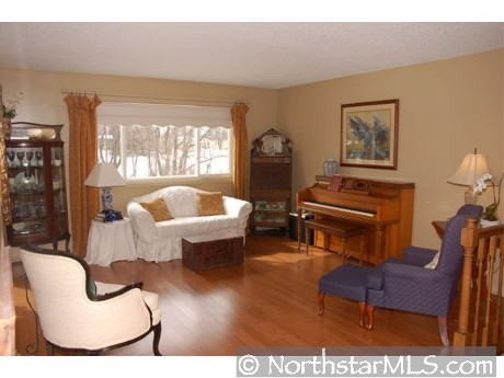 four-bedroom-chaska-mls-_3504256.jpg
