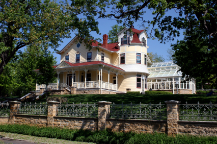victorian stillwater mn home in summer