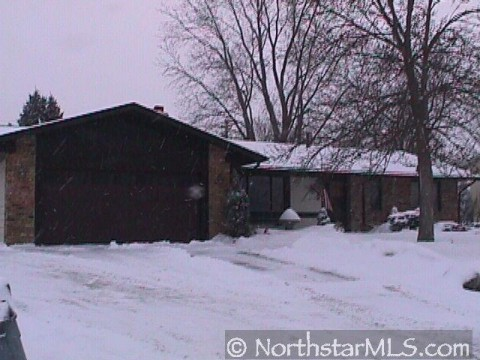 front view apple valley mn mls 3635752