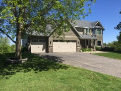 Huge Lakeville MN Home with Three Car Garage and Large Lot!